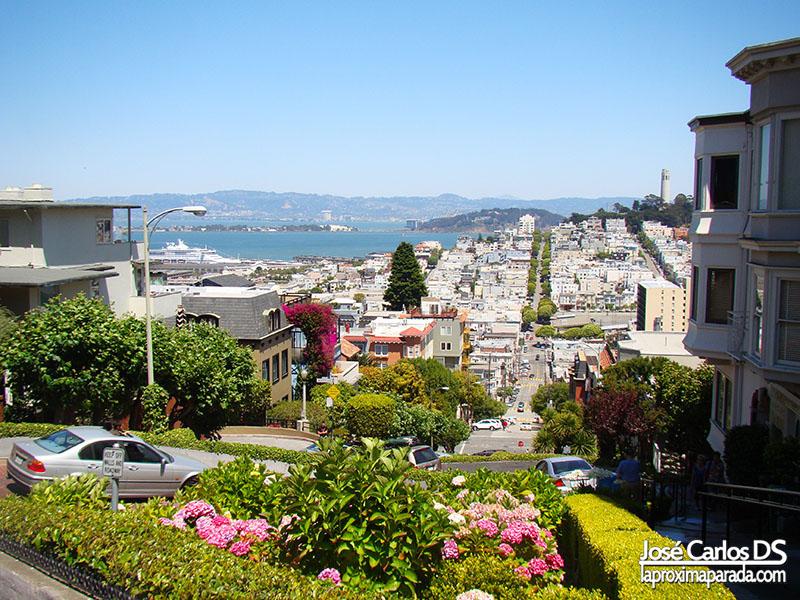 Caminando por Lombard Street San Francisco