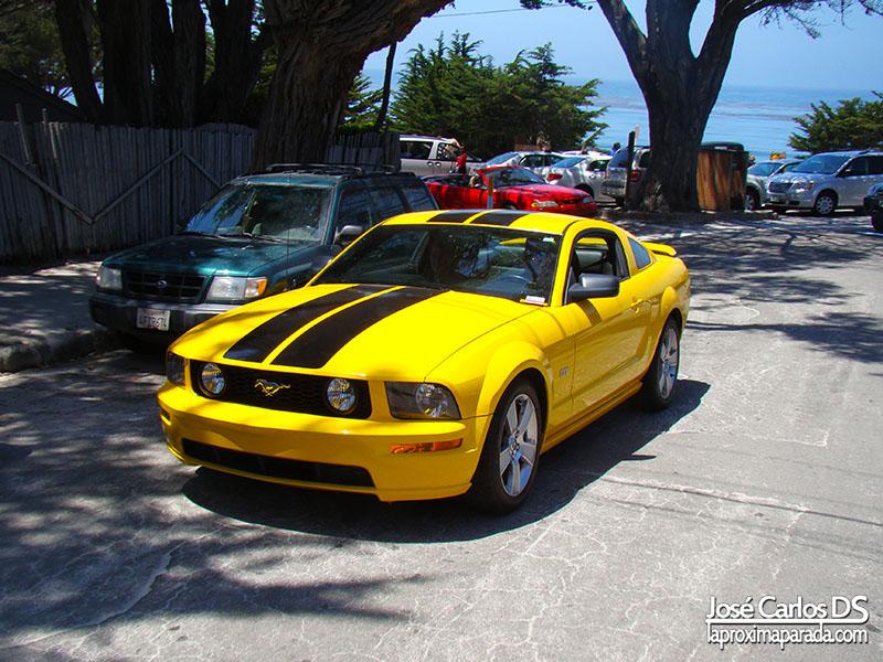 Mustang Carmel Costa de California