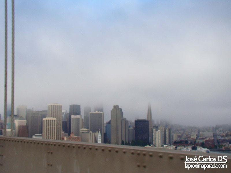 Niebla desde Puente de Oakland San Francisco