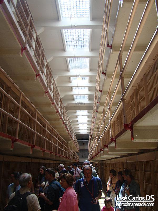 Pasillo Celdas Prisión de Alcatraz San Francisco