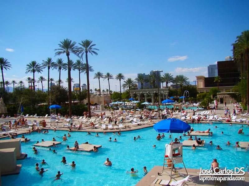 Piscinas Hotel Luxor Las Vegas