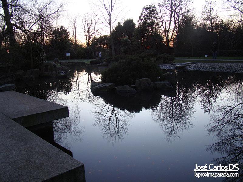 Anochecer Kyoto Garden Holland Gardens Londres