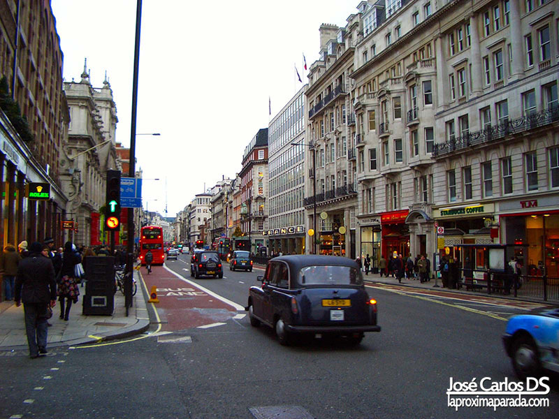 Calle Londinense Taxi Londres