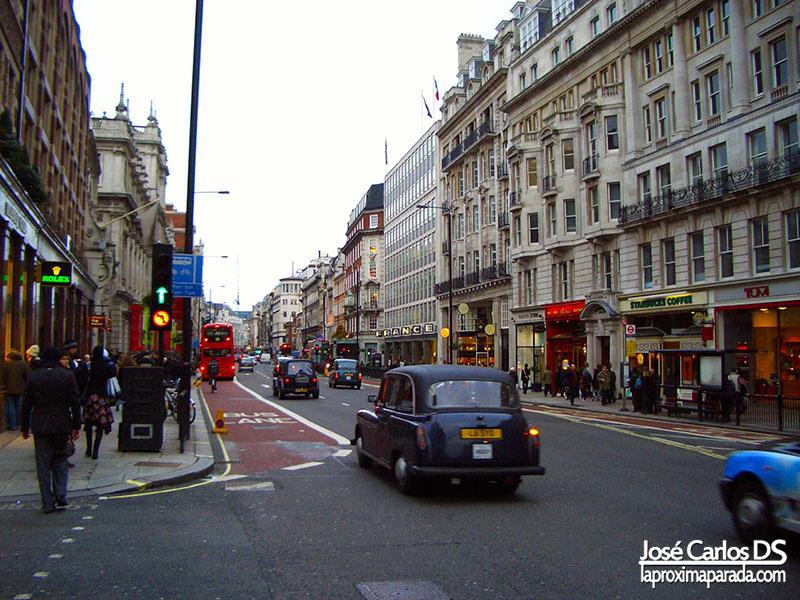 Calle Londinense Taxi Londres