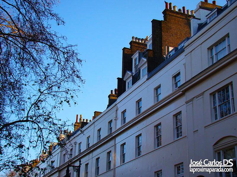 Chimeneas en Clásico Barrio Londinense