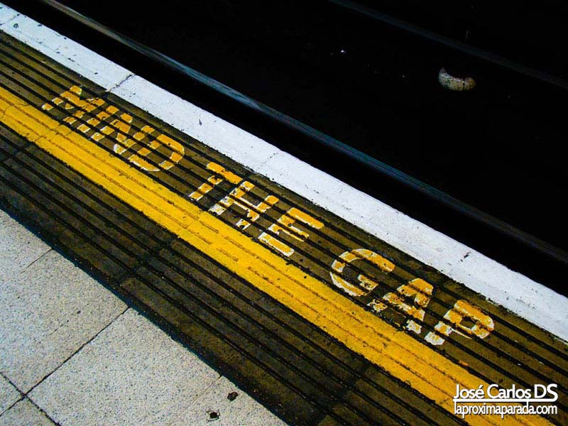 Mind The Gap Metro Londres