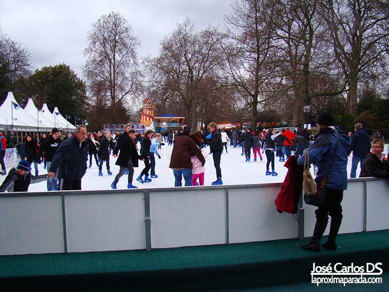 Pista de Hielo Mercado Navideño Londres Winter Wonderland Hyde Park