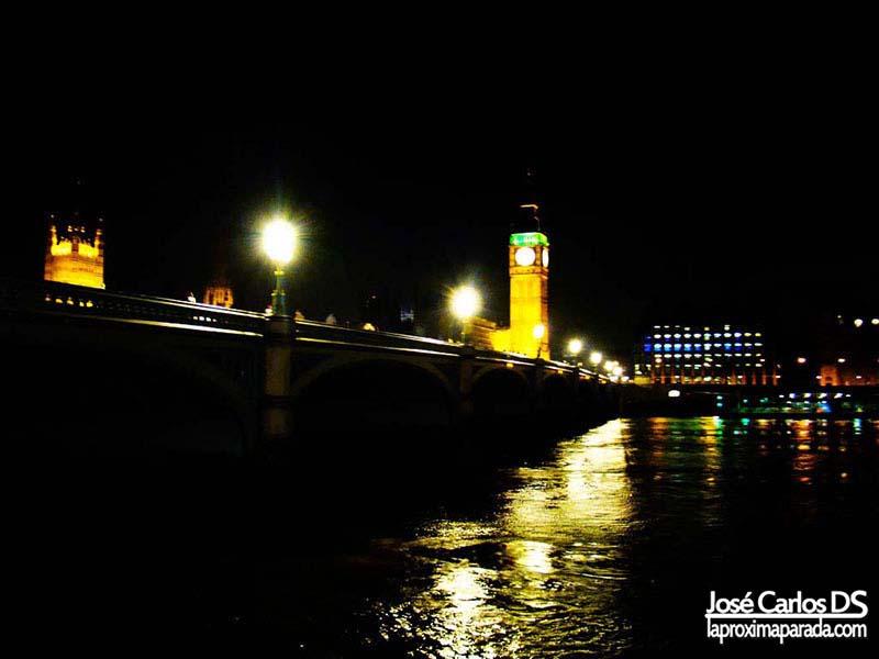 Río Támesis con vistas al Big Ben Londres