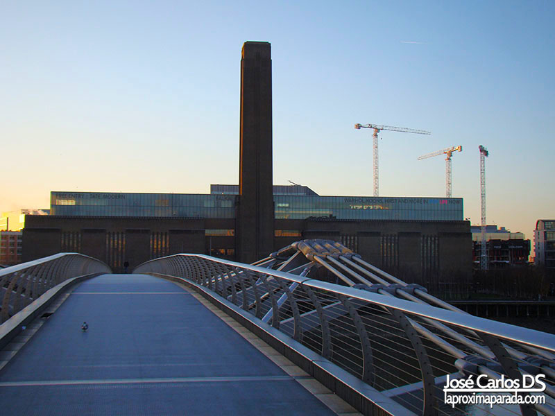 Tate Modern desde Millenium Bridge Londres