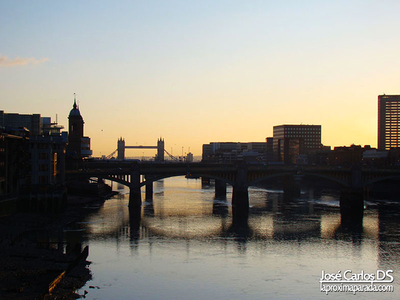 Tower Bridge desde Millenium Bridge Londres