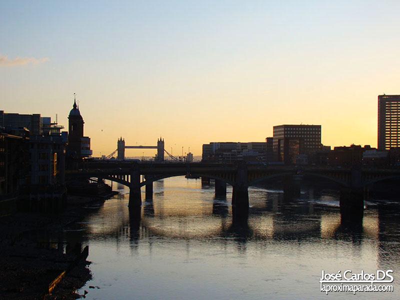 Tower Bridge desde Millenium Bridge Londres