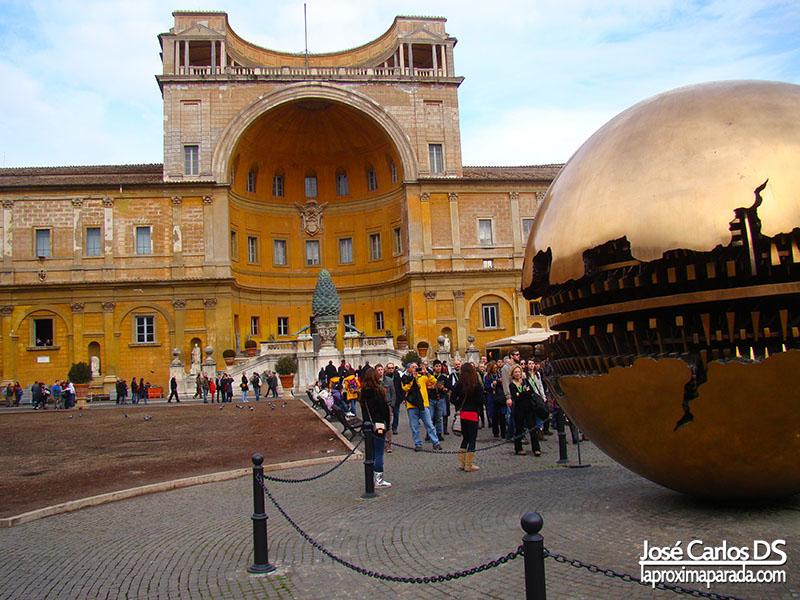 Bola del Mundo en Jardines de los Museos Vaticanos