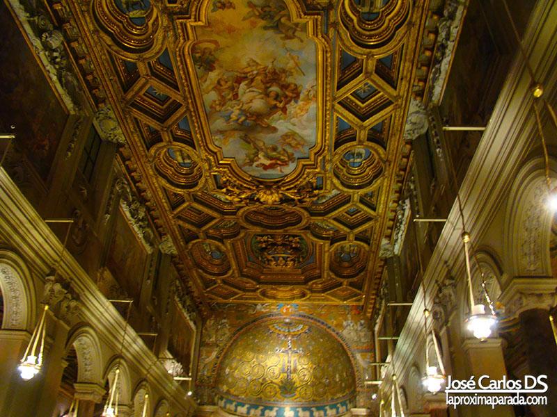 Interior Basílica de Santa María en Trastevere