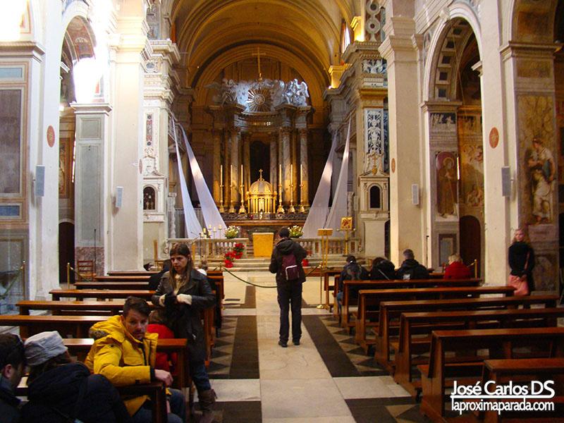 Interior Iglesia de la Trinità dei Monti