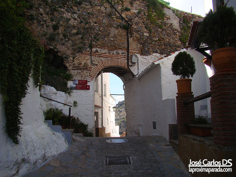 Arco del Arrabal en Casares
