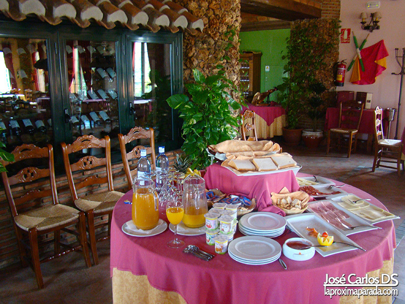 Desayuno en Complejo Rural Las Mayoralas