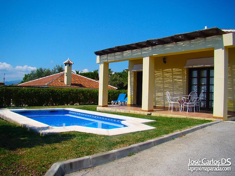 Villa con piscina privada en Complejo Rural Las Mayoralas