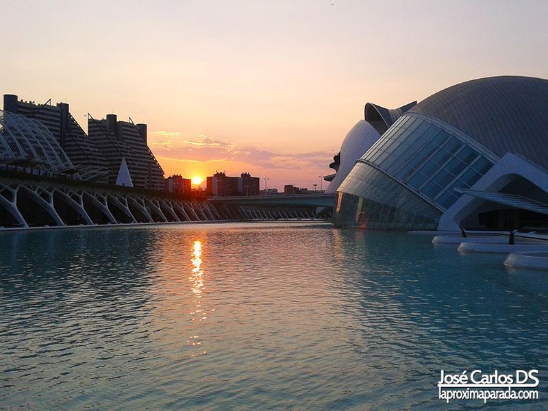 Anochecer Ciudad de las Artes y las Ciencias de Valencia