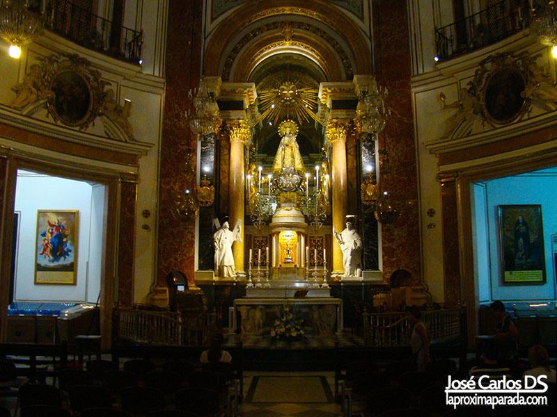 Interior Real Basílica de la Virgen de los Desamparados de Valencia