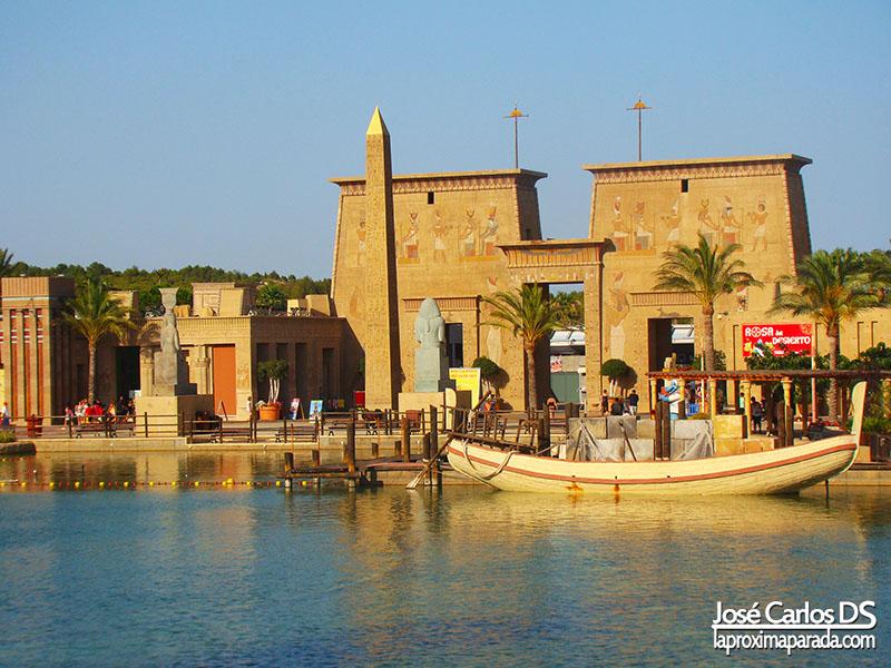 Lago en Área de Egipto en Terra Mítica