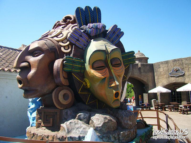 Máscaras Puerta de América Isla Mágica