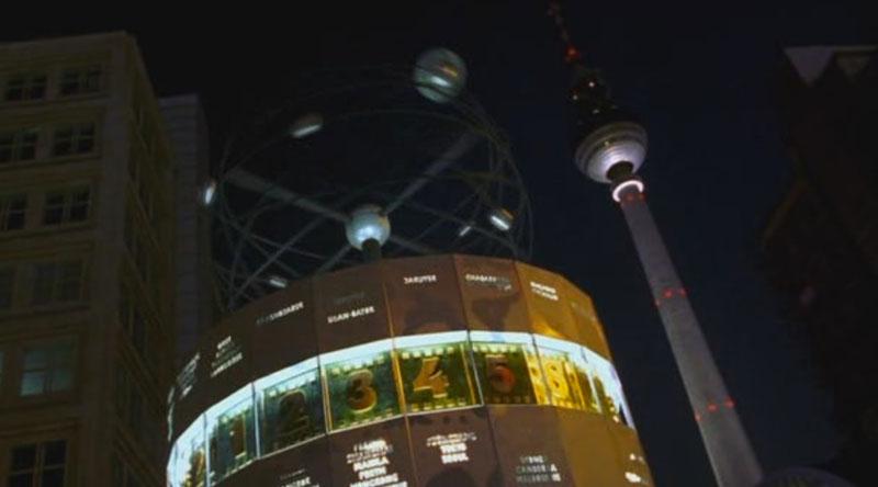 Reloj Mundial en Berlín en Good Bye Lenin