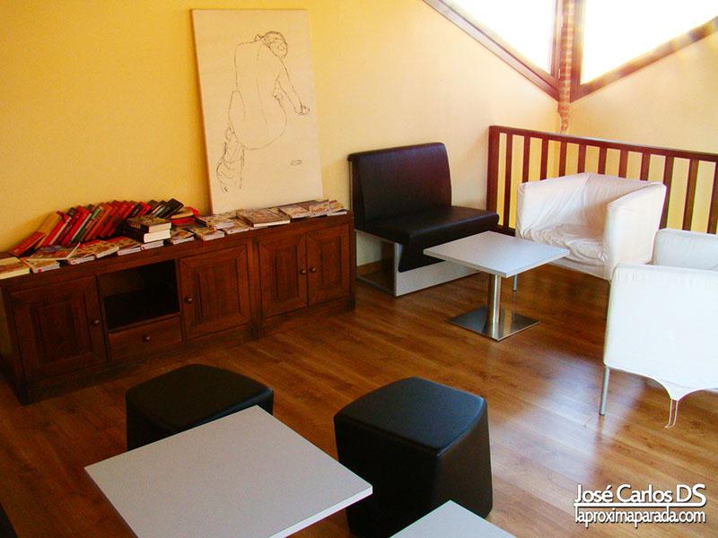 Sala Lectura Al-Andalus Hostel Granada