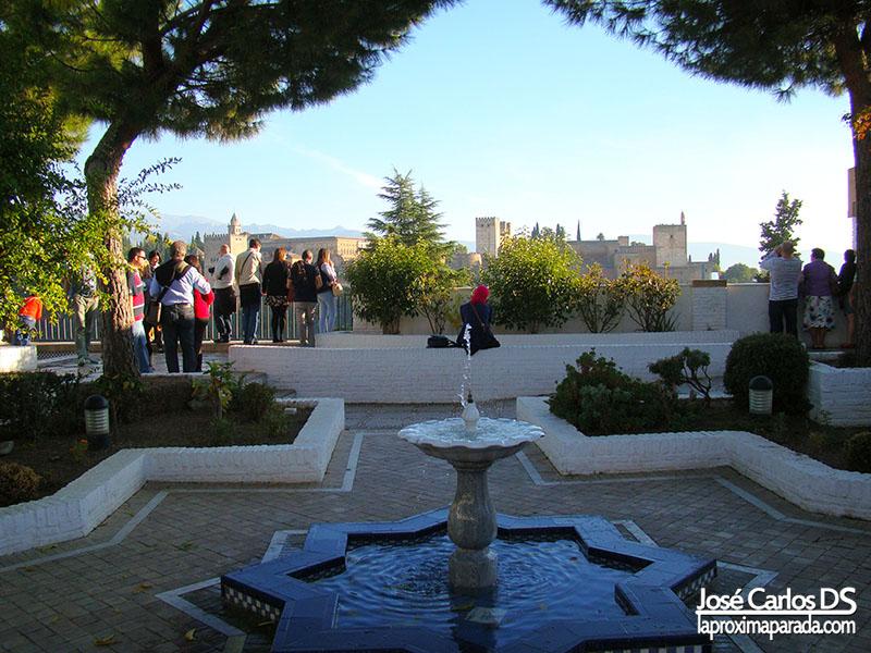 Vista Alhambra desde Mezquita de Granada