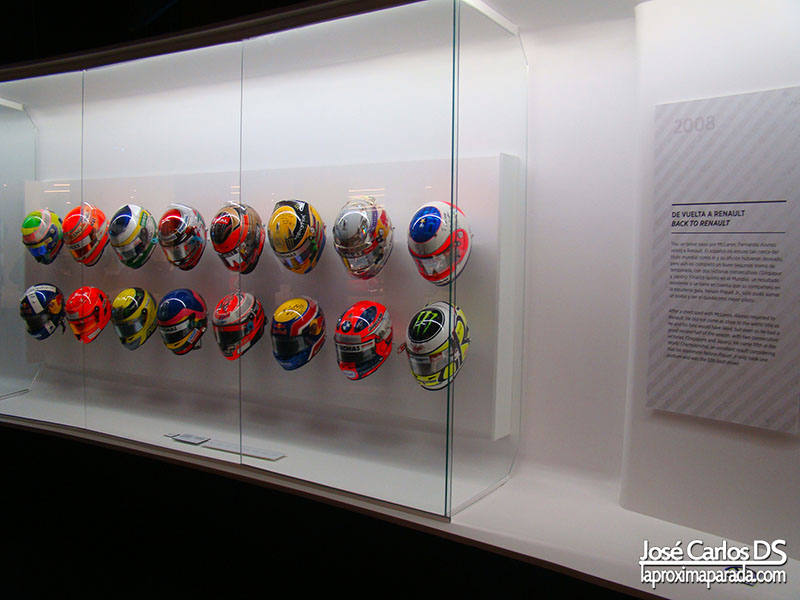 Colección cascos Fernando Alonso