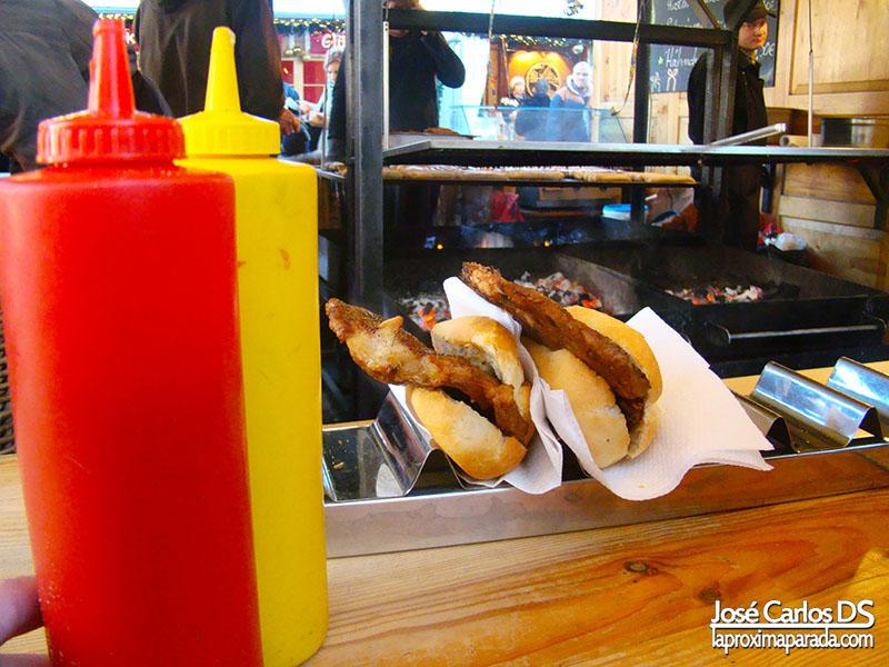 Comer en Berlin Mercadillo Navideño Gendarmenmarkt