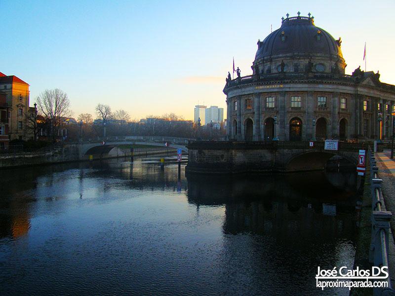 Isla de los Museos desde Río Spree