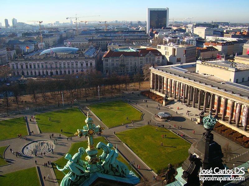 Panorámica Isla de los Museos desde Catedral de Berlin