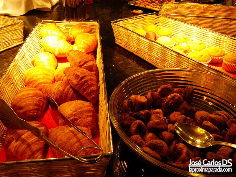 Desayuno Buffet Holiday Palace