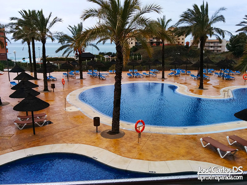 Piscinas Exteriores Holiday Palace