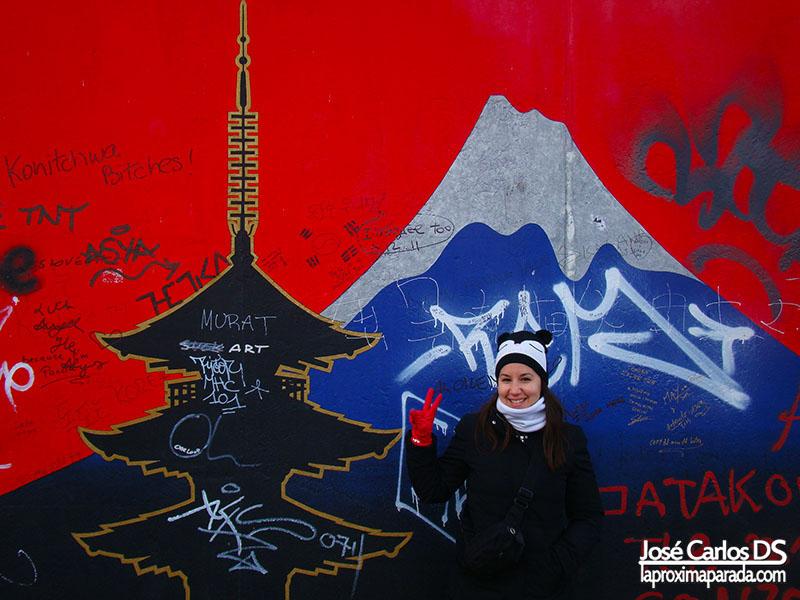 Japón en East Side Gallery Muro Berlin