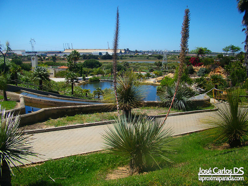 Lago Parque botánico José Celestino Mutis en Huelva