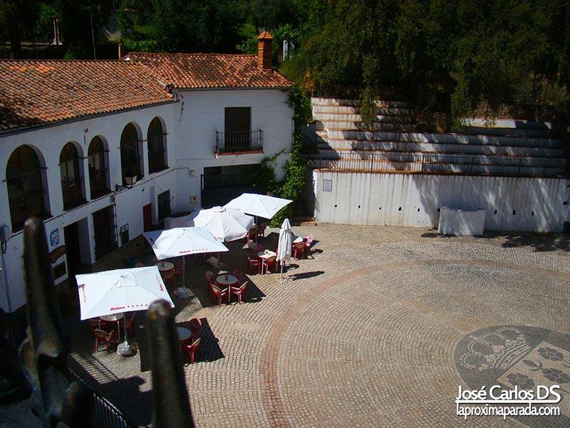 Plaza de Toros en casco urbano Linares de la Sierra