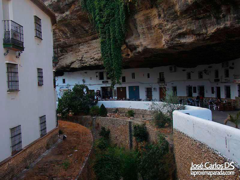 Setenil de las Bodegas Tajo en Cadiz