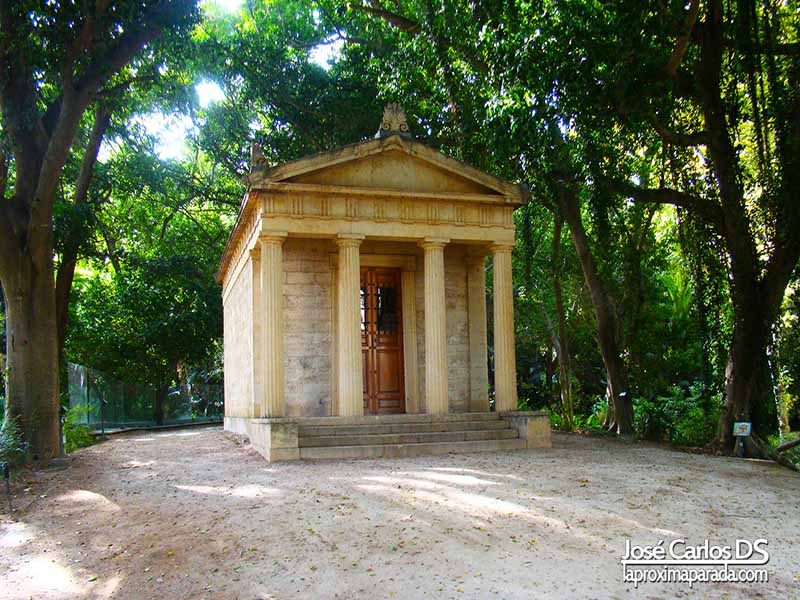 Templete tetrástilo Jardín Botánico de Málaga