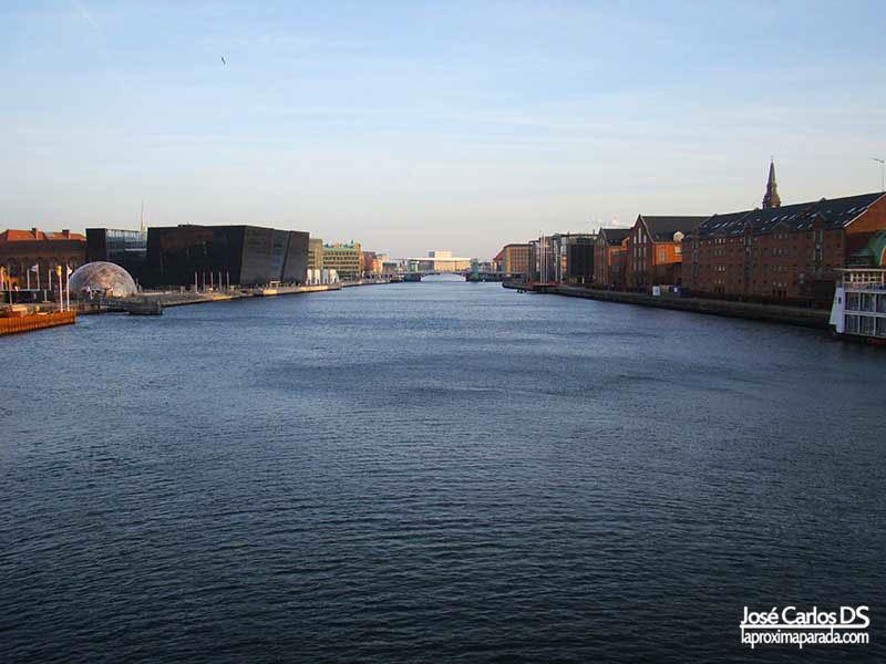Canales de Copenhague desde Puente Langebro