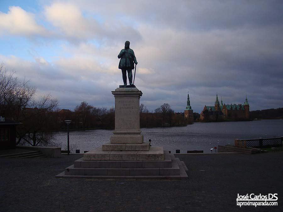 Estatua Federico VII en Hillerød