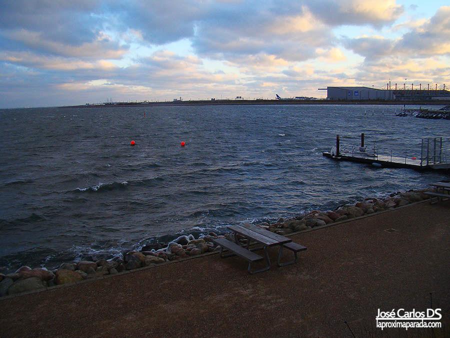 Estrecho estrecho Øresund desde Blue Planet