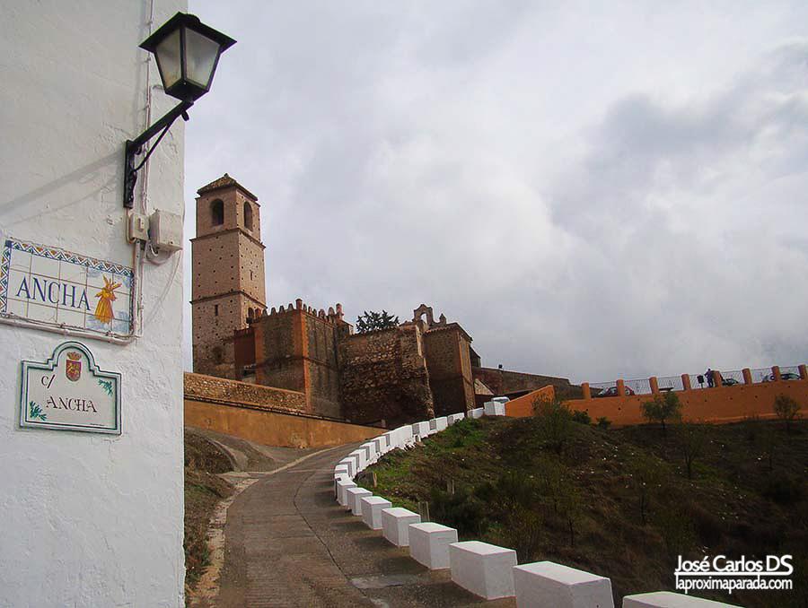 Ascenso castillo de Álora